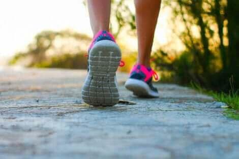 La marche est un des meilleurs exercices pour lutter contre les varices.