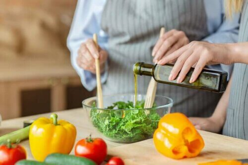 Suivre un régime alimentaire sain et équilibré pour éviter la carence en vitamine A.