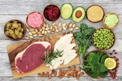 Des aliments pouvant être à la base de dîners sains et légers.