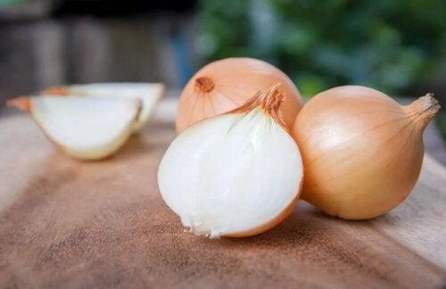 L'oignon figure parmi les 5 légumes les plus sains.
