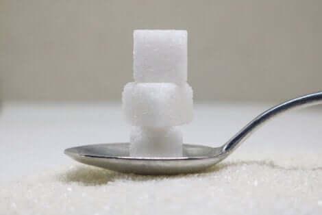 Cuillère de sucre.