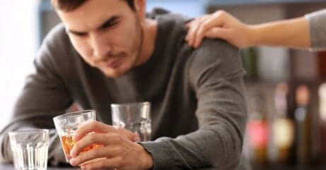 Aider une personne alcoolique.