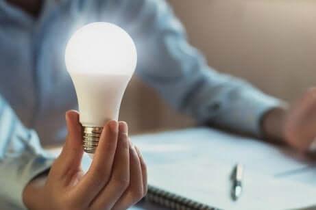 Ampoule à basse consommation d'énergie.