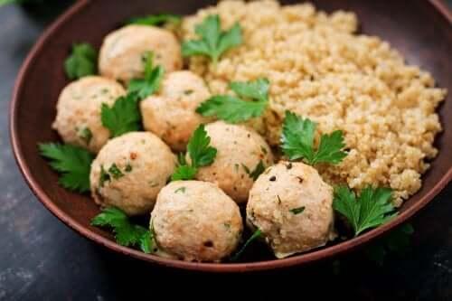 Comment faire des boulettes de quinoa et de pois chiches