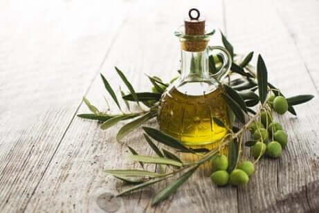De l'huile d'olive.