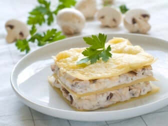 Des lasagnes à la sauce blanche.