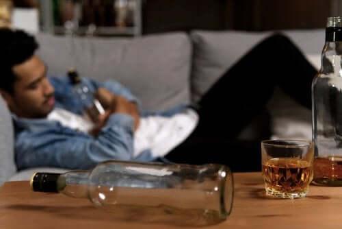 Mon/ma conjoint-e est alcoolique : comment l'aider ?