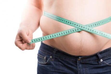 Une personne obèse.
