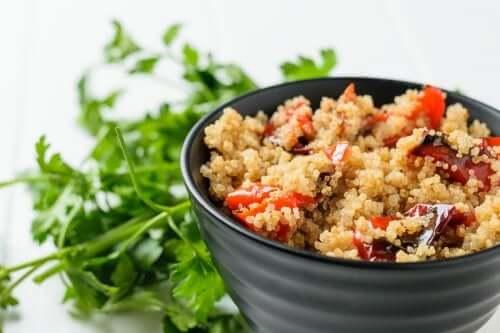 Salade de légumes grillés au quinoa