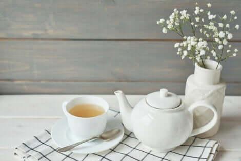 Théière de thé blanc.