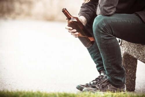Alcoolisme : causes et conséquences