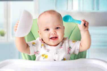Quand introduire les aliments solides chez les bébés ?