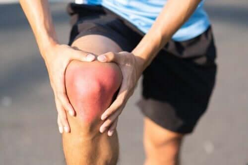 Entorse du genou : causes, symptômes et recommandations