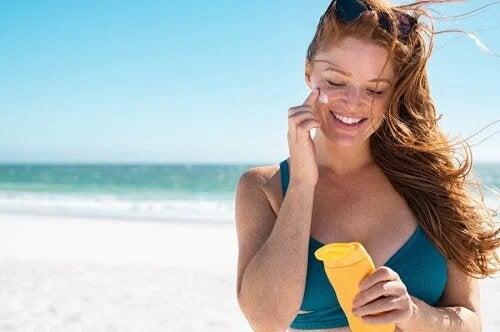 5 conseils pour prendre soin de votre peau et éviter les coups de soleil