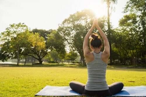 6 exercices de yoga pour mieux dormir