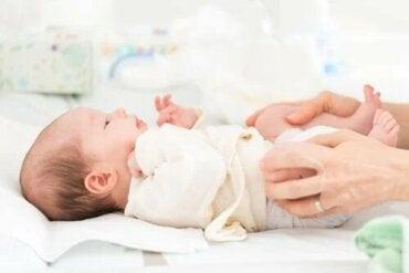 Luxation congénitale de la hanche chez le bébé