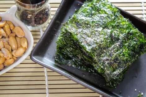 Des algues nori.