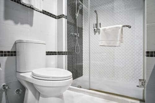 4 idées innovantes pour décorer un siège de toilette