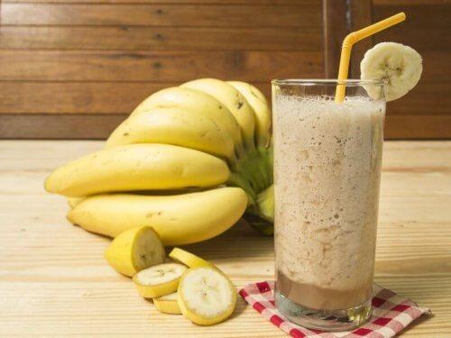 Milk-shake de banane et de lait de coco.