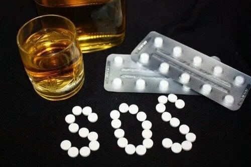 Le lexatin ne doit pas être utilisé en même temps que de l'alcool.