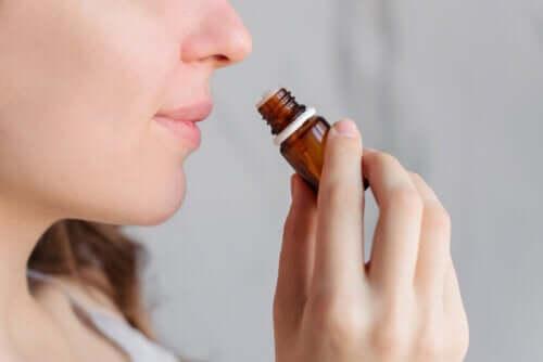 L'aromathérapie aide-t-elle à calmer les douleurs menstruelles ?