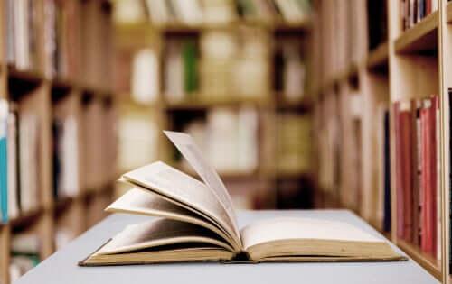 Bibliothérapie : caractéristiques et bénéfices