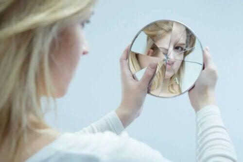 Allaitement et estime de soi sont deux choses difficiles à concilier.