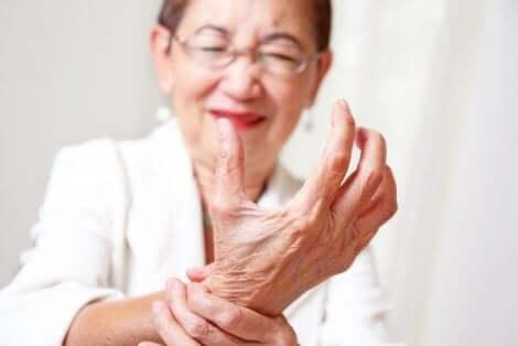 Douleur articulaire du poignet.