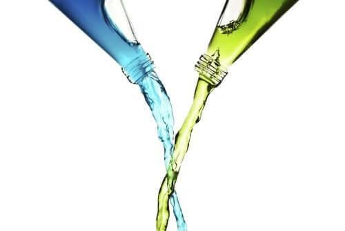 Pourquoi ne faut-il pas mélanger vinaigre et eau de javel ?