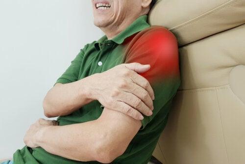 12 exercices pour soulager la tendinite de l'épaule