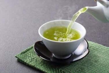 Infusion de thé vert.