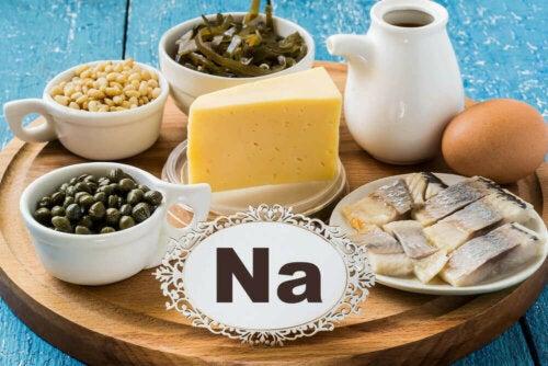 Aliments riches en sodium.