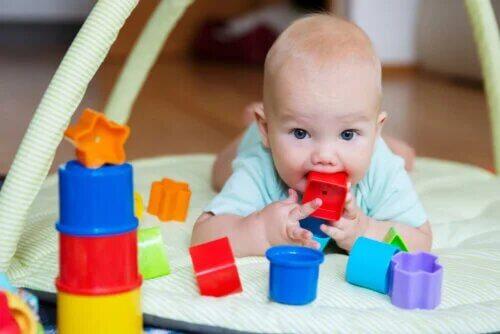 Recommandations pour recevoir et jouer avec un nouveau-né