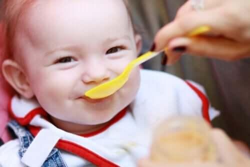 5 signes de faim chez votre bébé