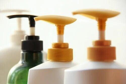 Les parabènes sont présents dans les produits de soin pour la peau.