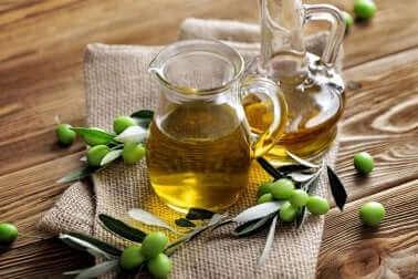 De l'huile d'olive vierge.