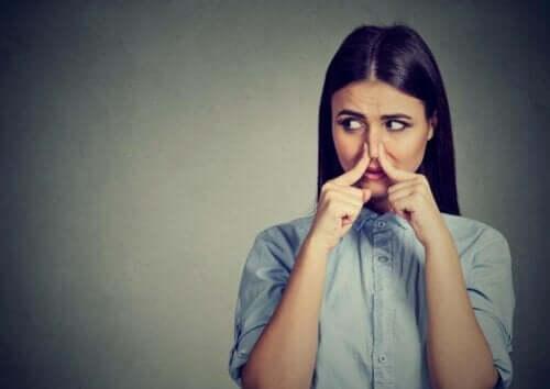 Fantosmie : d'où viennent les hallucinations olfactives ?