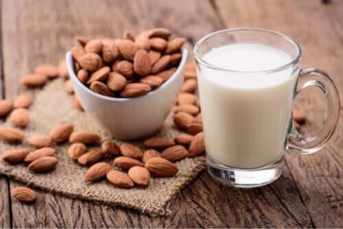 Consommation de lait d'amandes chez les enfants : bénéfices et inconvénients
