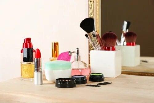 Identifier un bon cosmétique peut être un parcours du combattant.