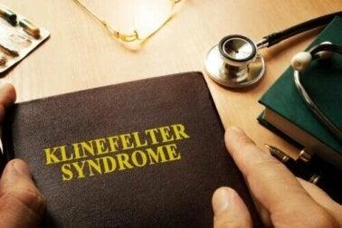Qu'est-ce que le syndrome de Klinefelter et comment affecte-t-il les hommes ?