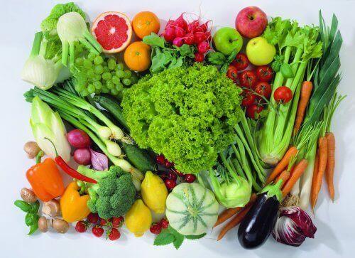 Variété de fruits et de légumes.
