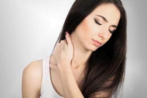 Symptômes et traitement de la cervicalgie