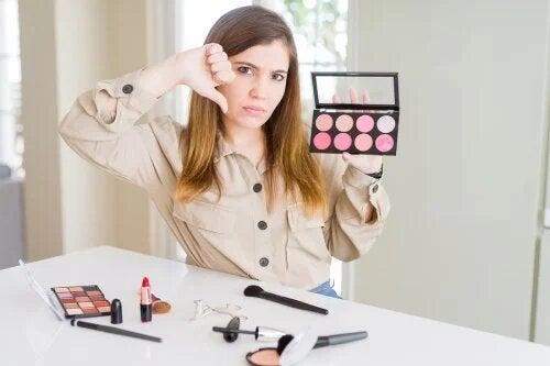 Les cosmétiques peuvent-ils irriter la peau ?