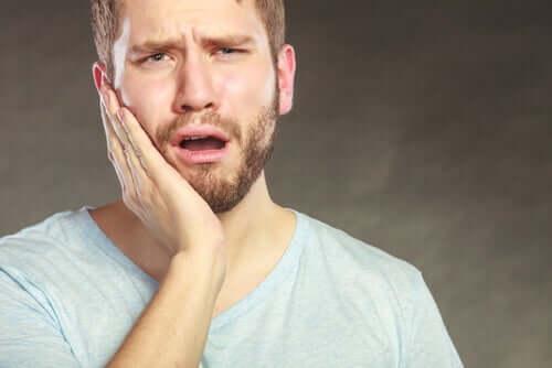 Quels sont les facteurs qui influencent la sensibilité à la douleur ?