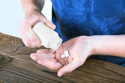 L acné kystique traitable par des antibiotiques.