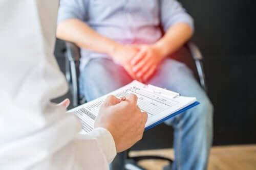 Epididymite : symptômes, causes et traitement