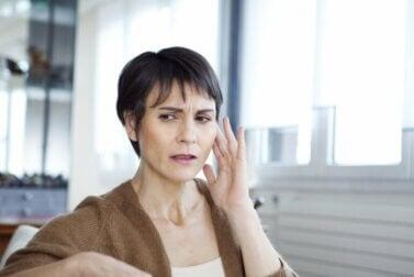 Qu'est-ce que le syndrome de l'oreille musicale et comment est-il traité ?