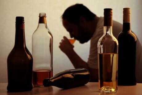 Alcoolisme chez un homme.