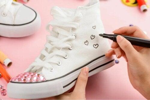 Des chaussures personnalisées.