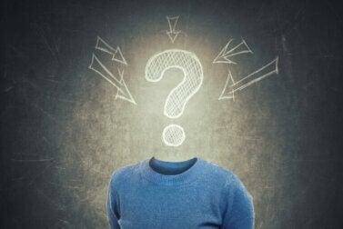 Que sont les confabulations et pourquoi se produisent-elles ?